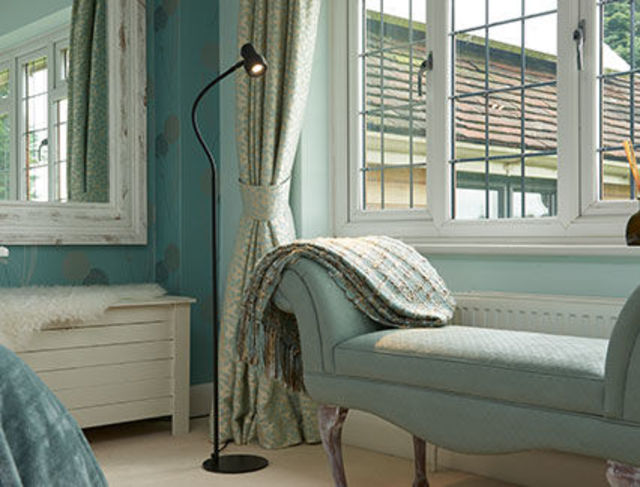 Classic Floor Narrow beam reading light - Blue Bedroom